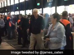 INDvsAUS: सीट पाने के लिए MCG में मची भगदड़, भारतीय फैन्स बोले- यहां भी, देखें VIDEO