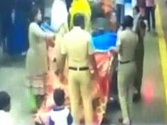 Mumbai Cops Help Woman Deliver Baby On Platform, Hold Up Bedsheets