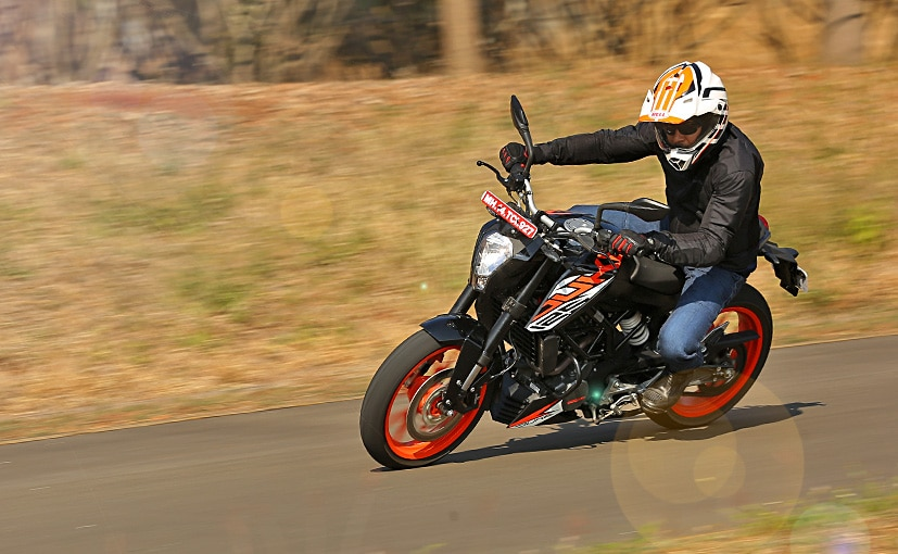 The KTM 125 Duke may be an expensive 125 cc motorcycle, but it has excellent dynamics to make up for it