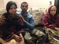 बुलंदशहर कांड : इंस्पेक्टर सुबोध कुमार सिंह की पत्नी ने कहा, मिटाए जा रहे हैं हत्या के सुबूत