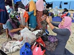 Public Health Crisis Feared As Indonesia Tsunami Survivors Cram Shelters