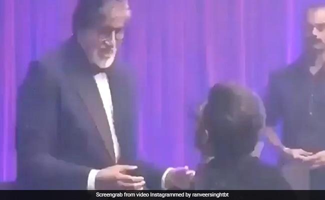 DeepVeer Reception: रणवीर ने अमिताभ बच्चन के साथ किया 'जुम्मा-चुम्मा' पर डांस, ऐसे लगाए ठुमके, देखें VIDEO