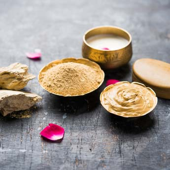 7 Ayurvedic Facial Cleansers For Clear And Glowing Skin