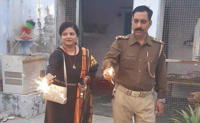 बुलंदशहर हिंसा: इंस्पेक्टर सुबोध के परिवार की मदद को आगे आई UP पुलिस, दिये 70 लाख रुपये
