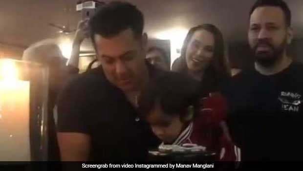 Watch: Salman Khan's Adorable Nephew Ahil Excitedly Cuts Mamu's 53rd Birthday Cake!