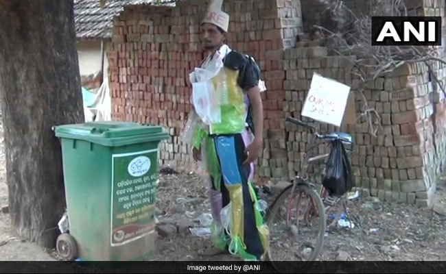 Man 'Dressed Up Like Dustbin' A Head-Turner In Odisha. He Has A Message