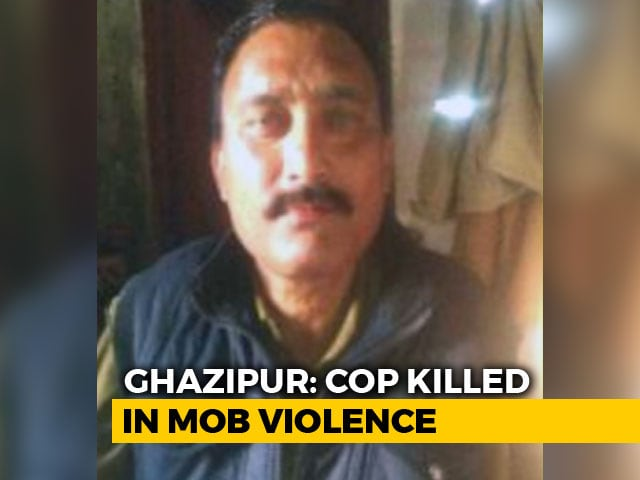 Video : 11 Arrested After Policeman Killed By Stone-Throwing Mob In UP's Ghazipur