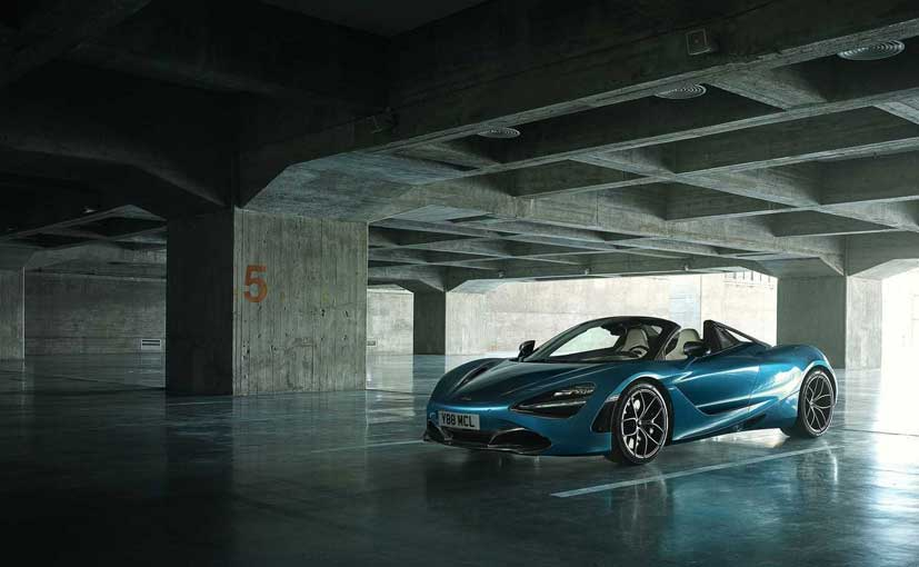 The retractable hard top of the 720S Spider is a completely new design