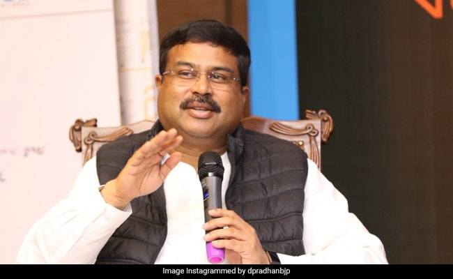 Dharmendra Pradhan Exhorts Child Scientists To Find Solutions To Nation's Problems