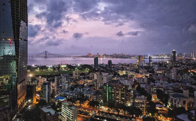 """""""If Ahmedabad Can, Why Can't We?"""": Mumbai To Try Out 24x7 Malls, Eateries"""
