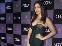 Decoding Sophie Choudry's Edgy Makeup Look