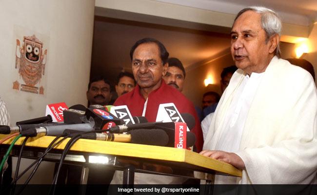 ओडिशा के मुख्यमंत्री नवीन पटनायक से मिले के.चंद्रशेखर राव , कहा- 2019 में क्षेत्रीय दलों को एक होने की जरूरत