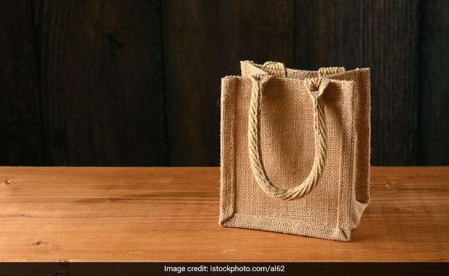 6 Jute Bags To Stylishly Carry Your Lunch To Work