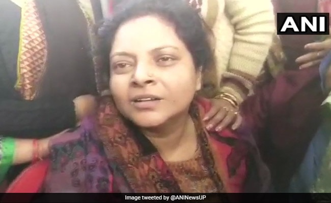 बुलंदशहर हिंसा में जान गंवाने वाले इंस्पेक्टर सुबोध कुमार की पत्नी ने कहा, अगर उन्हें छुट्टी मिल गई होती तो...