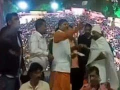 Gujarat Folk Singers Showered With Bundles Of Notes. See Pics