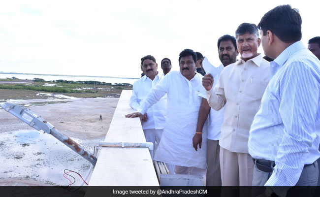 Chandrababu Naidu Conducts Survey Of Areas Affected In Cyclone Phethai