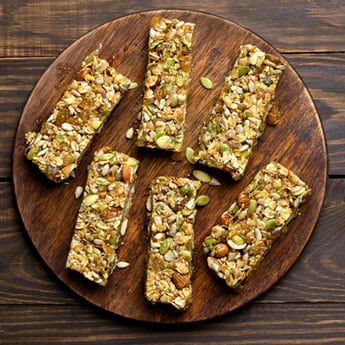 6 Healthy Snack Bars To Always Keep Handy In Your Tote