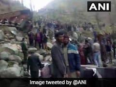 जम्मू-कश्मीर में बस खाई में गिरी, 11 की मौत और 19 घायल