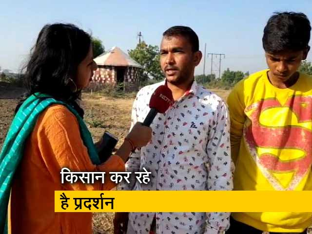 Videos : गुजरात में भी बेहाल हैं किसान