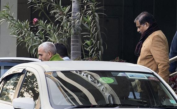 சிபிஐ இயக்குநராக நாகேஷ்வர் ராவ் தொடர்வாரா?- உச்ச நீதிமன்றத்தில் விசாரணை