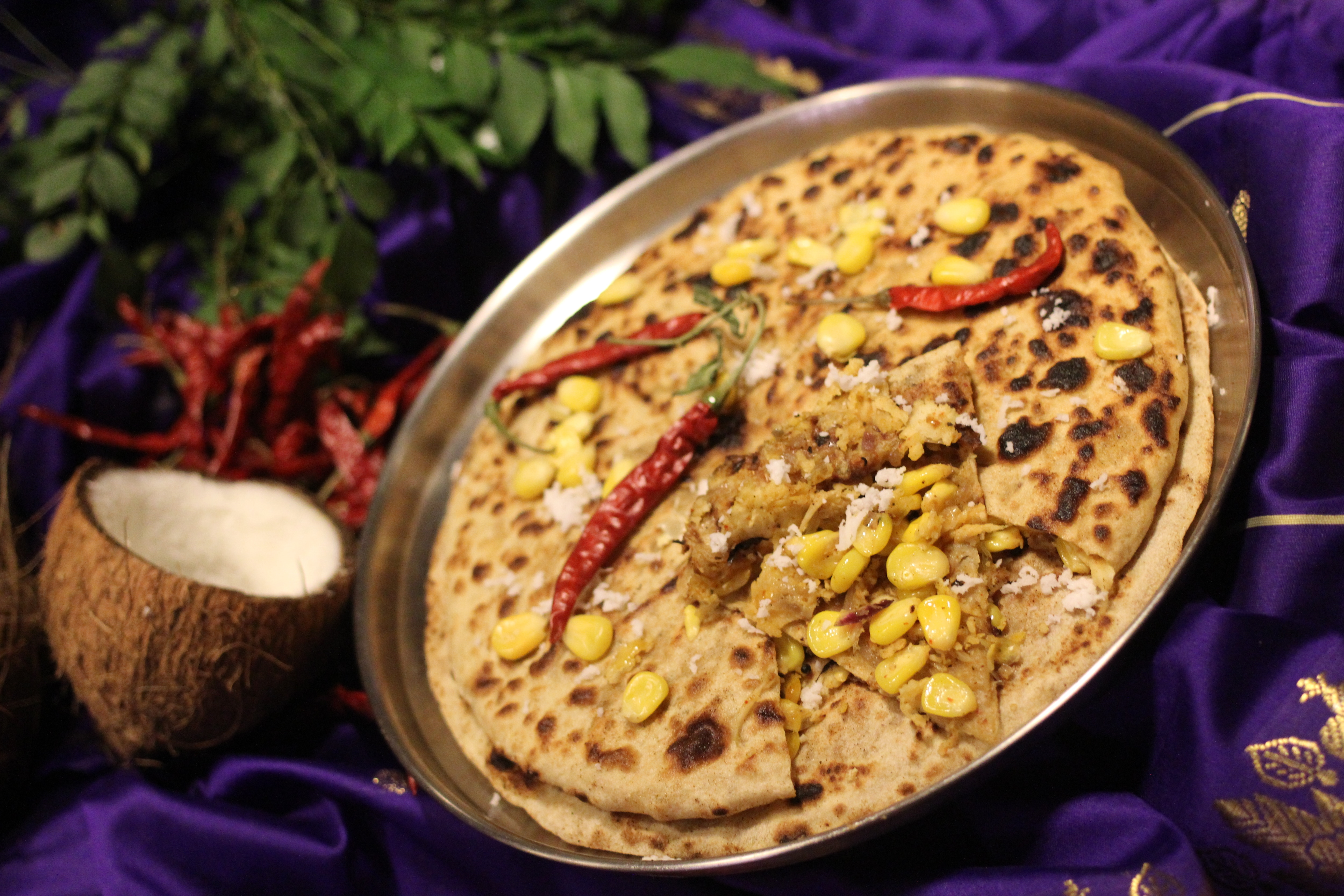 Watch: This Delish Pizza Paratha Stuffed With Cheese And Veggies Is A Fusion Of Our Favourite Flavours