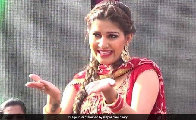 सपना चौधरी ने नए साल पर गोवा में धमाकेदार डांस से उड़ाया गरदा, Video हुआ वायरल
