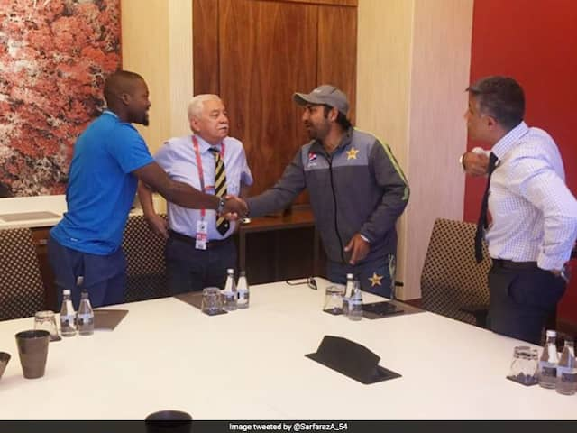Pakistan Captain Sarfraz Ahmed Issues Personal Apology To Andile Phehlukwayo For Racial Taunt