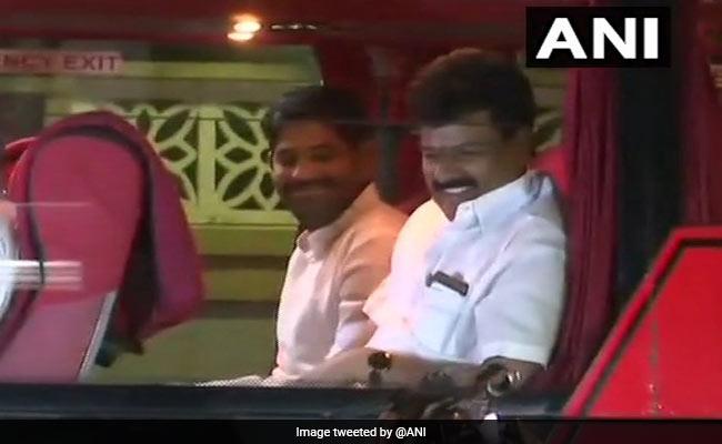 कर्नाटक का 'नाटक' जारी: अब BJP के 'हमले' से बचाने के लिए कांग्रेस ने भी विधायकों को रिजॉर्ट में किया 'बंद'