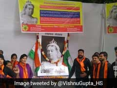 Fringe Group Pays Tribute To Queen Victoria, Praises British Empire