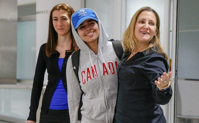 Saudi Teen Who Fled Her Family Welcomed As 'Brave Canadian' In Toronto