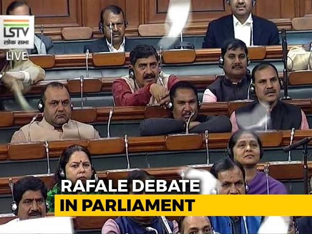 Video : Paper-Planes In Parliament, Rahul Gandhi-Arun Jaitley Clash Over Rafale