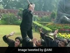 नागरिकता संशोधन बिल का विरोध : संसद में आज 'पीएम मोदी' ने TMC सांसदों पर बरसाई 'छड़ी'