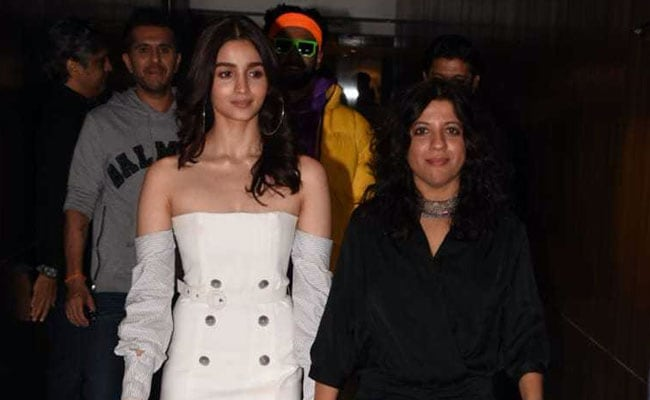 Alia Bhatt Sure Knows How To Wear An Off-Shoulder Dress. Get Her Look