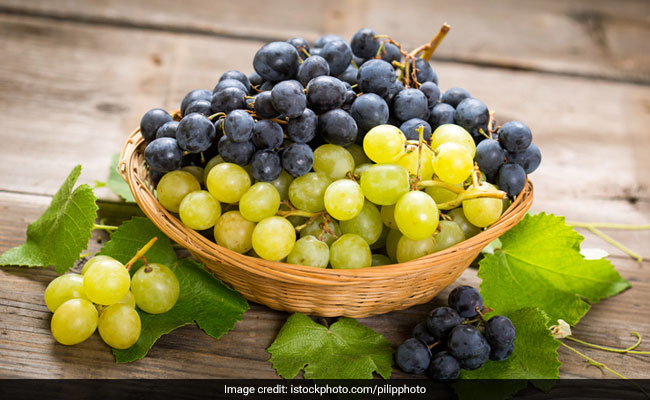 Skin Care During Summer: 4 Easy Ways To Add Grapes To Your Diet