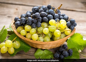 Nutritionist Nmami Agarwal Shares 5 Reasons To Add Grapes To Your Diet