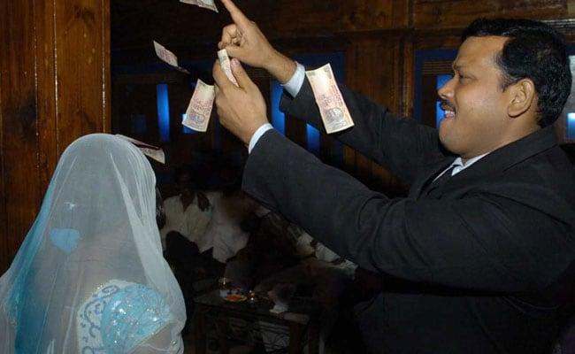 ?Black Day For Maharashtra?: Daughter Of Politician Behind Dance Bar Ban