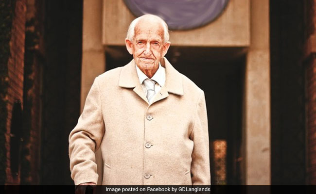 British Teacher Who Arrived In Pakistan With The Raj Dies At 101