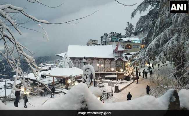 मौसम : हिमाचल और कश्मीर में बर्फ की चादर, बारिश से तरबतर दिल्ली में लगा जाम