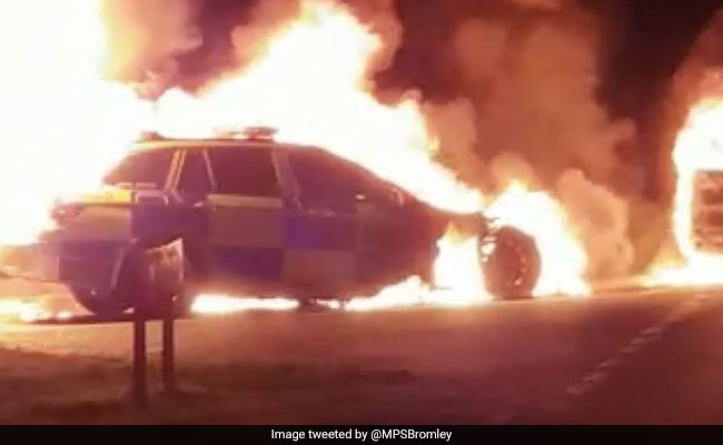 Police Car Mysteriously Bursts Into Flames On Busy Road