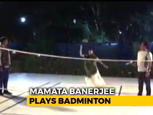 Video : Mamata Banerjee's Badminton Game Might Be Better Than Yours. Watch