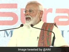 अचानक बेहोश हो गया कैमरामैन, पीएम नरेंद्र मोदी ने रोकी स्पीच और बुलवा ली एम्बुलेंस, देखें VIDEO