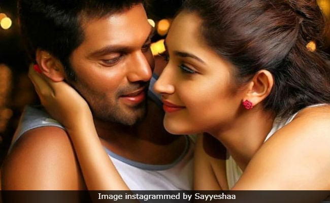 Arya and Sayyeshaa to get married. Wedding date fixed?