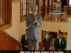 Anil Kapoor Reviews Anupam Kher's <i>The Accidental Prime Minister</I>. Says, 'You're Such A Great Story Teller'