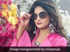मिस पूजा से इस बॉलीवुड सिंगर ने कहा 'चलो निकलें इश्क की पतली गली से' तो यूं मिला रिएक्शन- देखें Video