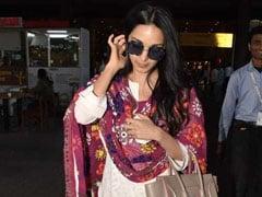Like Kiara Advani, Spruce Up Your Solid Coloured Suit With A <i>Phulkari Dupatta</i>