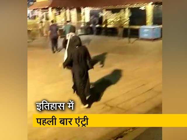 Videos : सबरीमाला मंदिर में दो महिलाओं ने किया प्रवेश- सूत्र