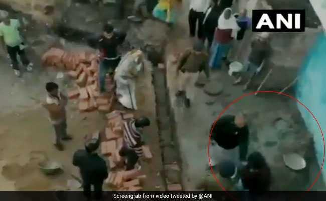 VIDEO: राजद विधायक की गुंडागर्दी, सरेआम शख्स को जड़े थप्पड़ और दी गालियां, हरकत कैमरे में कैद