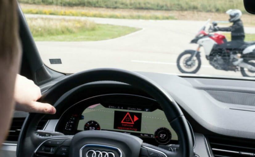 Ces 2019 Ducati Demonstrates Car To Bike Communication System