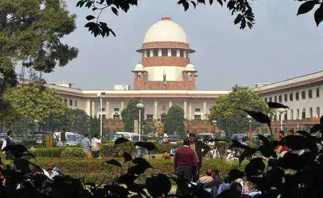 Supreme Court Surprised Over Early Listing Of Ahmed Patel's Petition