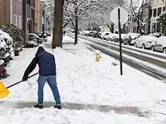 Massive Snowfall In Washington DC Leads To Dangerous Roads, Power Outages